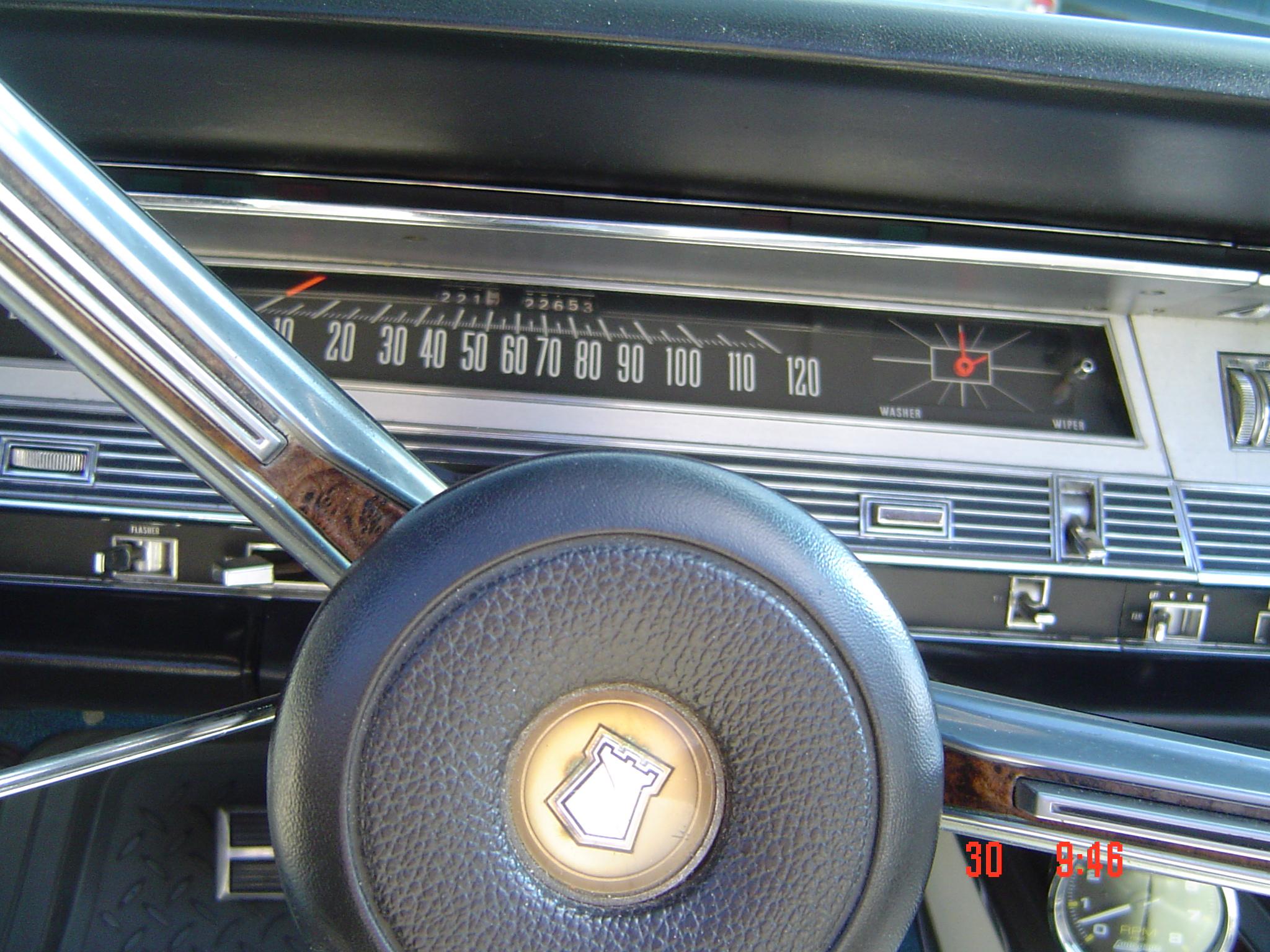 1968-chry-300-convert-015
