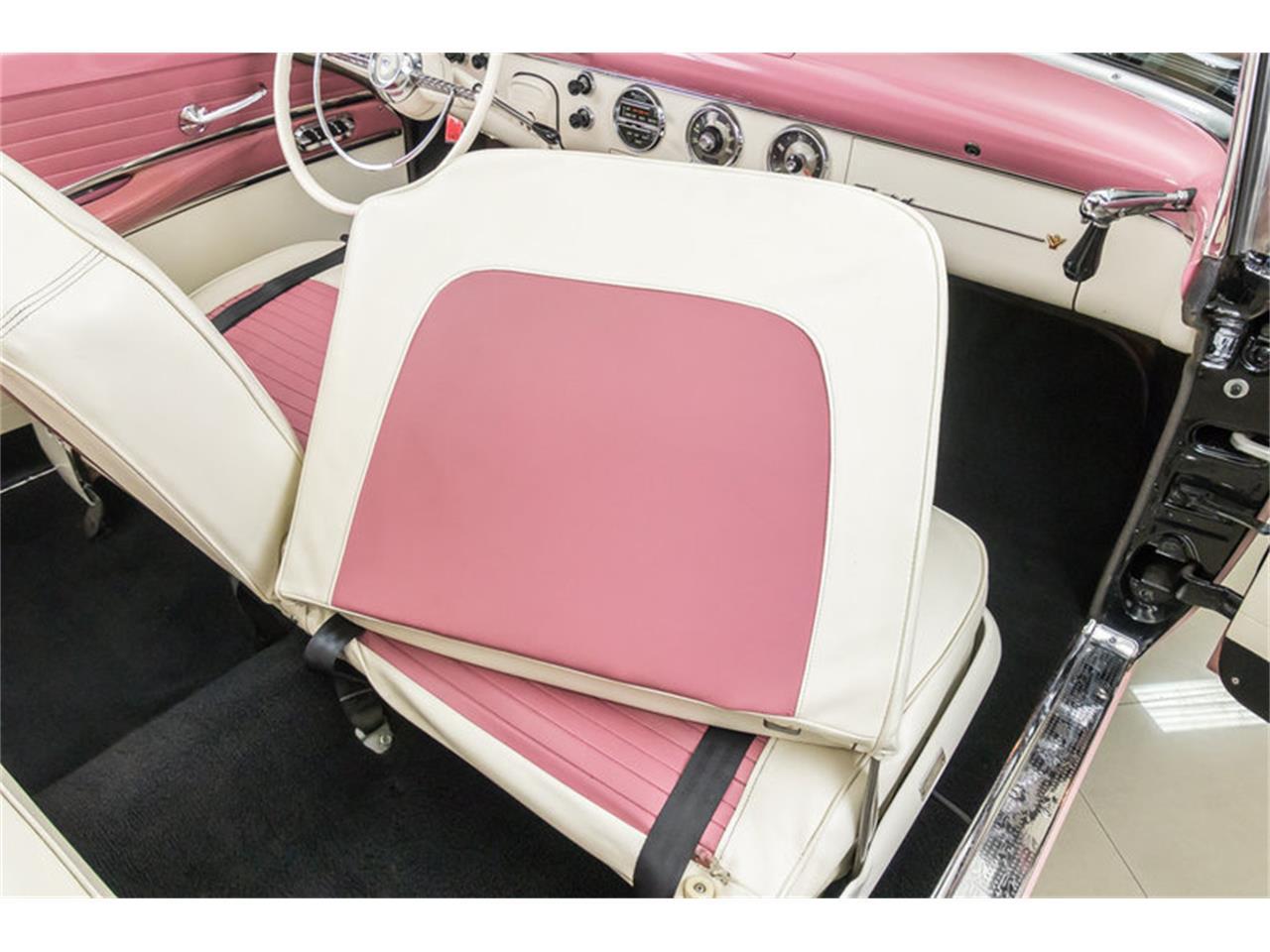 13650659-1955-ford-fairlane-std