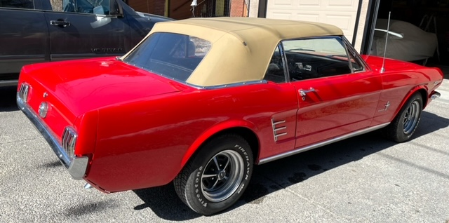 66-Mustang-side