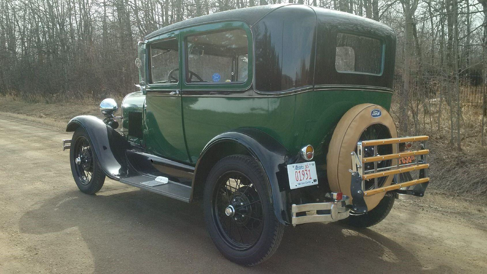 1928 Tudor - Driver side angel view