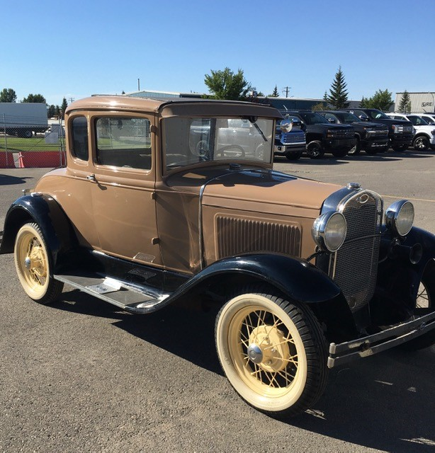 1931-Ford-Model-A-Cpe-pass-side